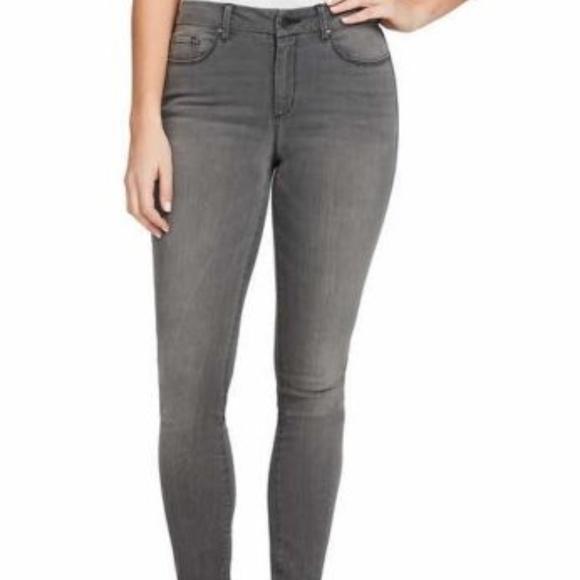 White Size 14//32 Jessica Simpson Ladies Midrise Straight Cuff Jean